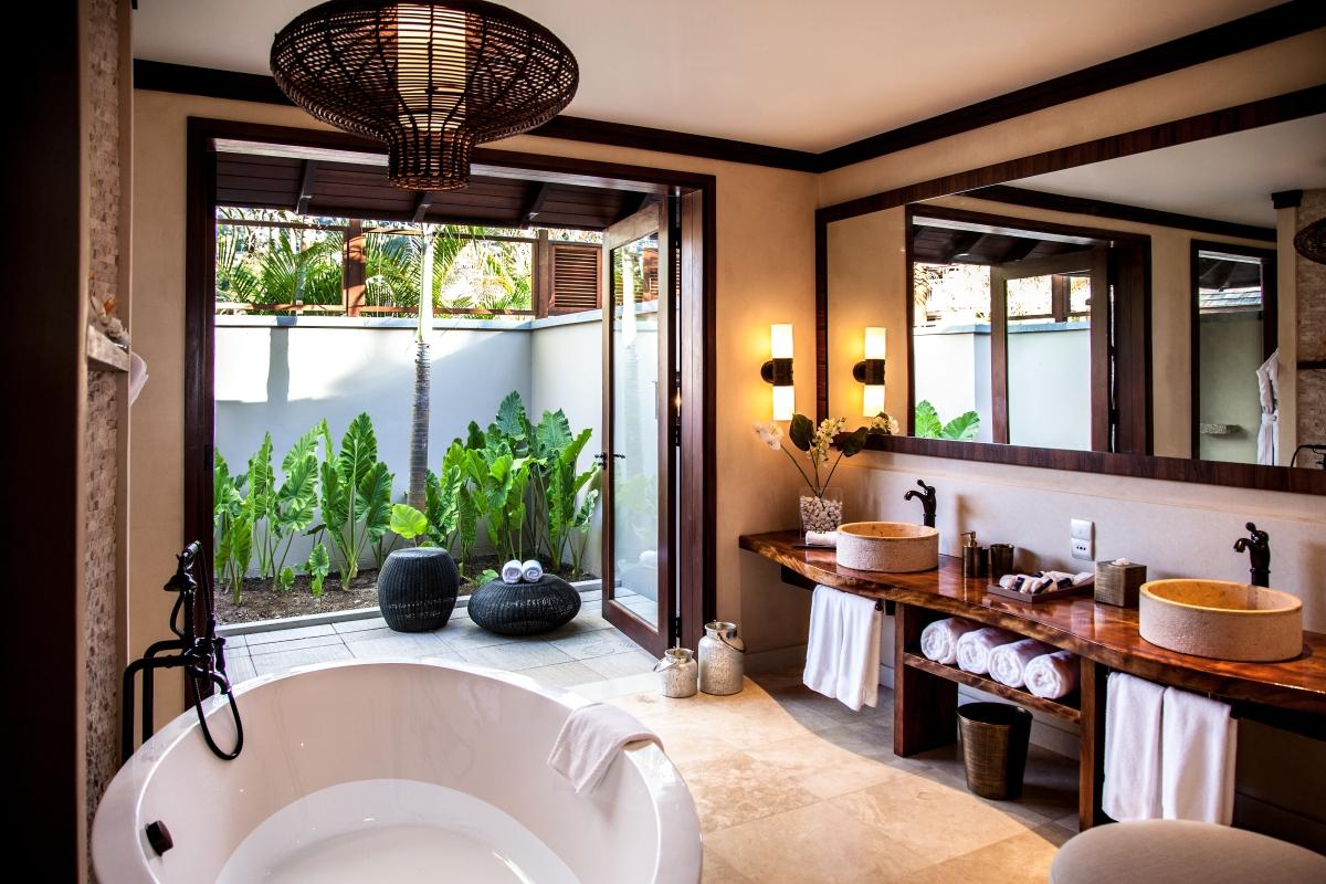 Beach Villa - Bathroom - high res