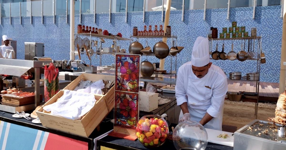 Street Food Picnic Brunch | Bab Al Qasr Hotel